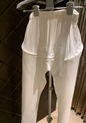 Back zip pants for incontinence