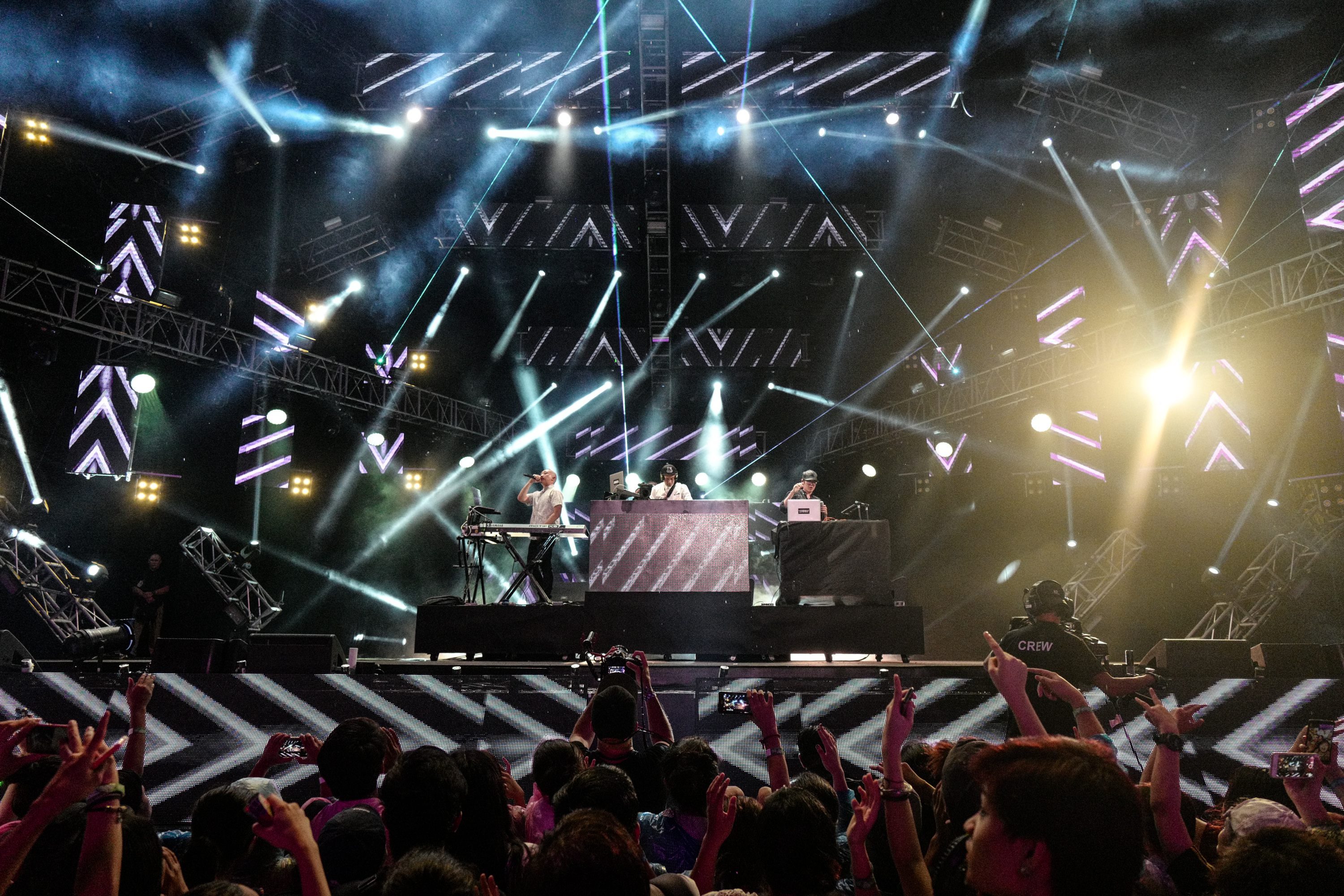 Far-East-Movement-performs-at-MTV-Music-Evolution-Manila-2016-on-24-Jun-Pic-4-Credit-MTV-AsiaKristia