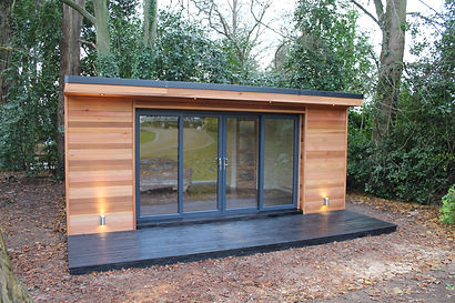 Beautiful hand crafted Crusoe Classic garden room