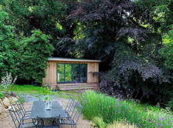 A beautifully integrated Crusoe garden room