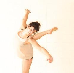 Éowyn Emerald & Dancers (2012)