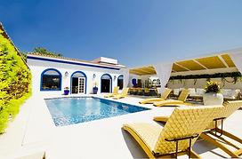 hotel_pousada_de_luxo_com_area_de_lazer_