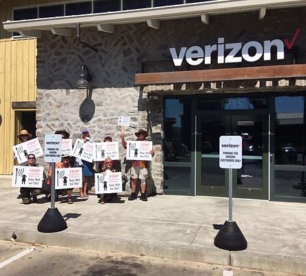 Photo- Verizon protest.jpg