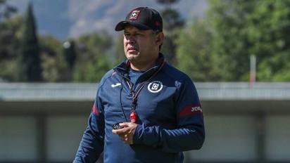 """""""No es momento de vender humo ni prometer el título"""" Juan Reynoso DT del Cruz Azul"""
