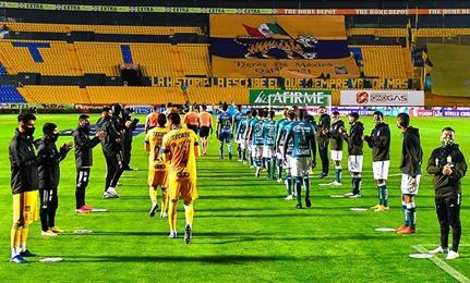 Tigres le da dos zarpazos al campeón actual de La Liga MX