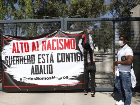 Exárbitro de fútbol soccer Adalid Maganda lleva 2 días de protestas afuera de la FMF, acusa amenazas