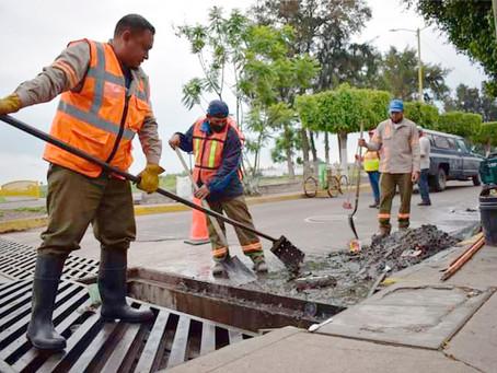 Limpian alcantarillas en Cortazar, encontrando 85 toneladas de basura