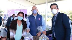 Director del DIF GTO Gerardo Trujillo Flores y Diego Sinhue entregan paquetes alimentarios