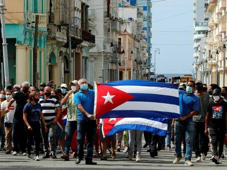 Cuba autoriza la importación de medicinas y alimentos, además restablece internet, pero sin redes