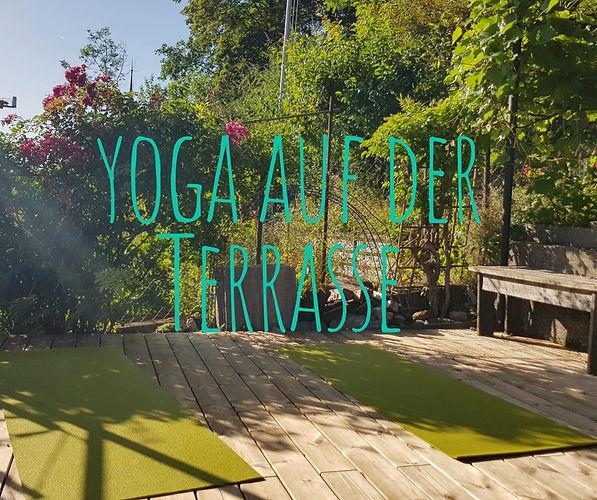 Yoga auf der Terrasse_1.jpg