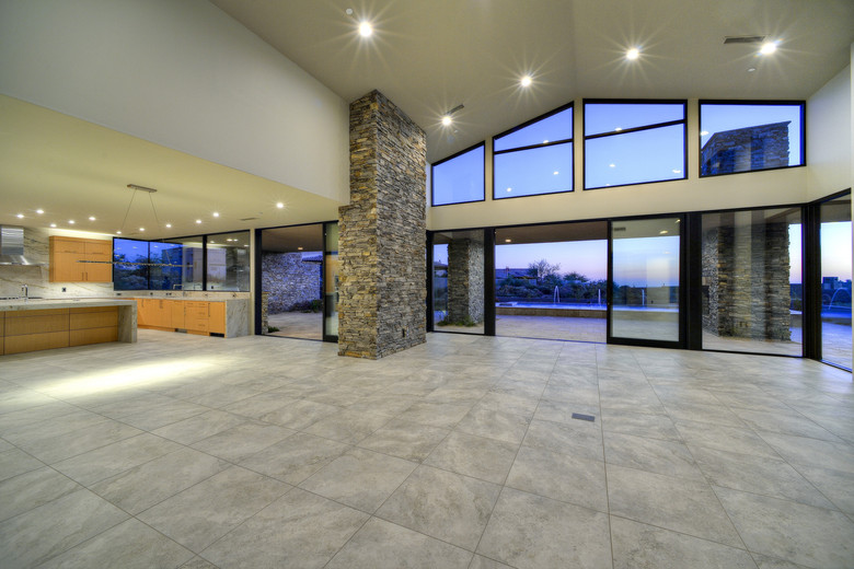 10-Open Floor Plan Grandeur.jpg