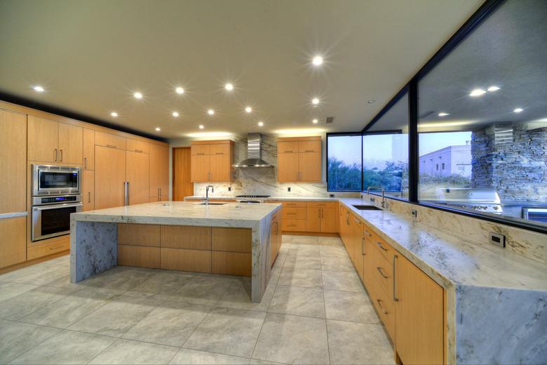 12-Kitchen - Sleek & Refined.jpg