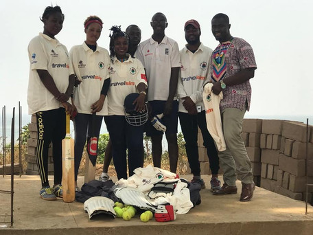 KENT DONATES TO STADIUM STARS WOMEN'S CRICKET TEAM