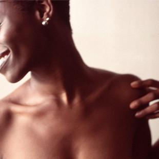 aa-woman-breasts.jpg