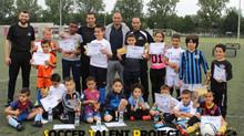 Profvoetballer en ambassadeur Jawad Ahannach verricht uitreiking zomercursus!
