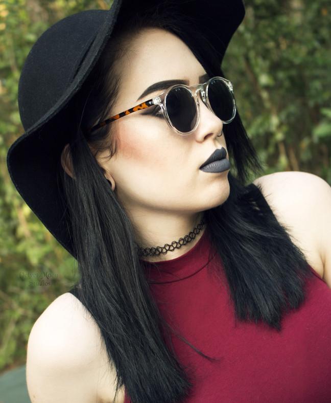 Model: Brenna Lindsey © Velvet Moon Studios
