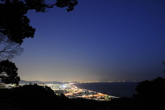 230一夜城からの海岸線夜景.JPG
