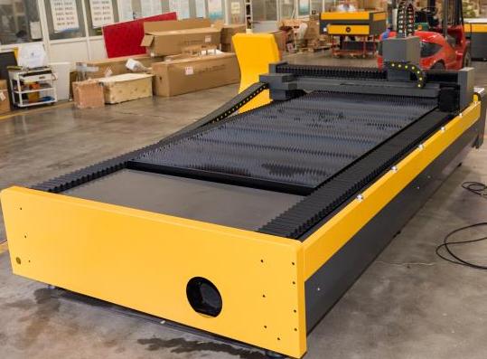 Máquina_Laser_CNC_L3015_Fibra_3