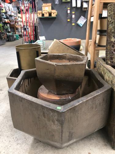 #60 Large pots asst sizes