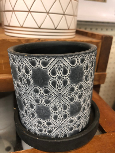 #40 Small pot