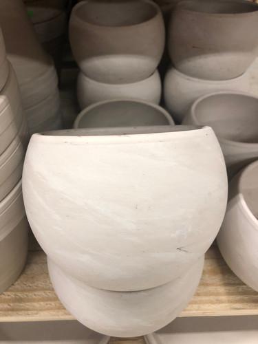 #44 Smaller pots asst sizes terracotta