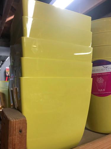 #43 Smaller pots asst sizes plastic