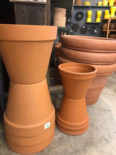 #18 Asst sizes terracotta pots