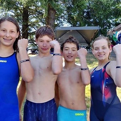 A teen bought 30 bracelets for her swim
