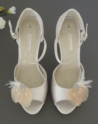 Nude Cream Peacock Feather Shoe Clips 'Leonie'
