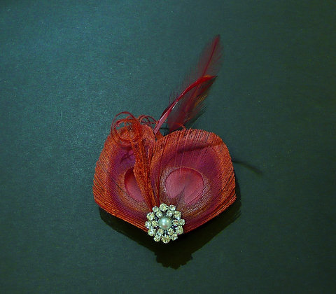 Wine Red Peacock Feather Hair Clip 'Lisette'