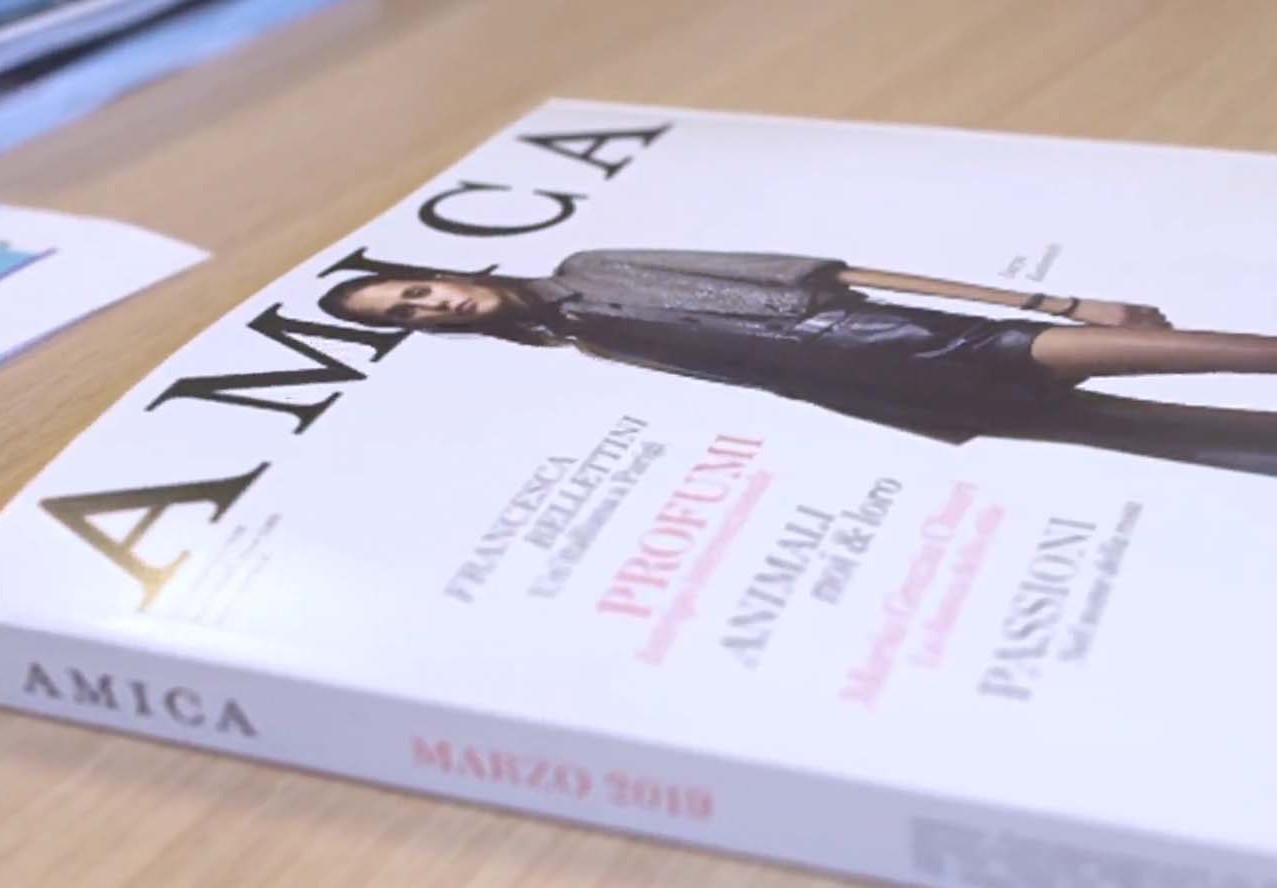 AMICA COPERTINA.jpg
