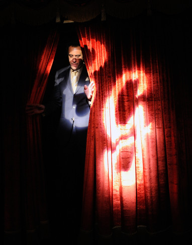 Comedian Brad Garrett