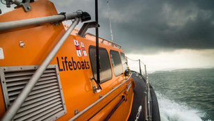 Girvan Lifeboat rescues paddleboarder in difficulty
