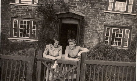 Hilda & Betty Pizer outside Green Lodge 1944