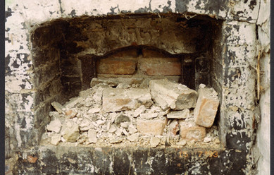 The old bake oven in Manor Farm buildings, Towns Lane