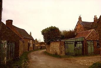 Manor Farm buildings c mid 1980s.jpg