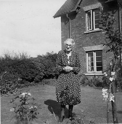 Catherine Holmes,Cathy's grandmother