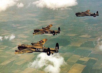 3 Lancasters from 207 Sqd