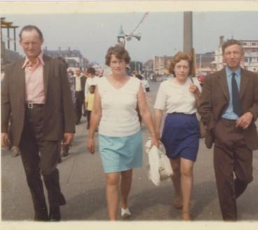 Stan & Nancy (left) with friends
