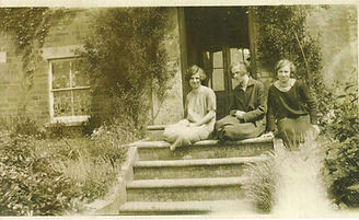 The Holmes sisters, Ida Ella, Katherine