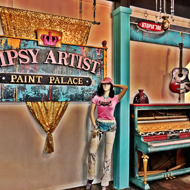 Tipsy Artist Photo Op