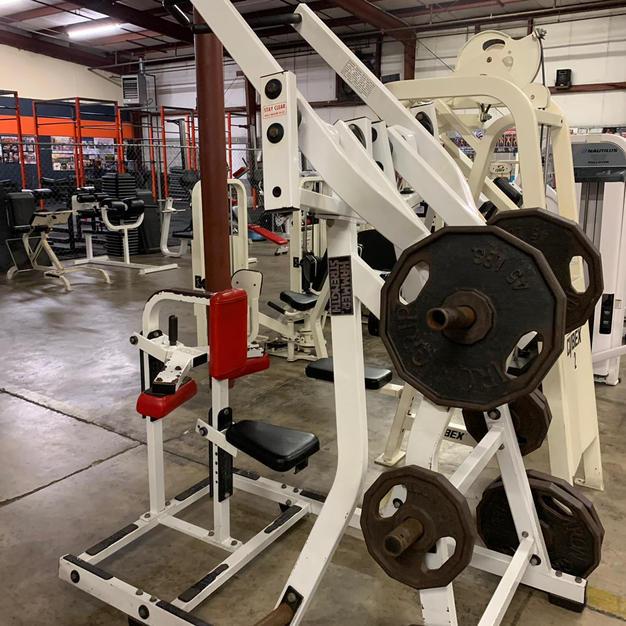 BACK: Hammer Strength Plate Loaded Pull