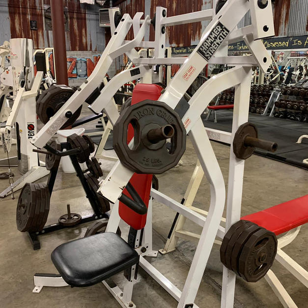 CHEST: Hammer Strength Plate Loaded Incl