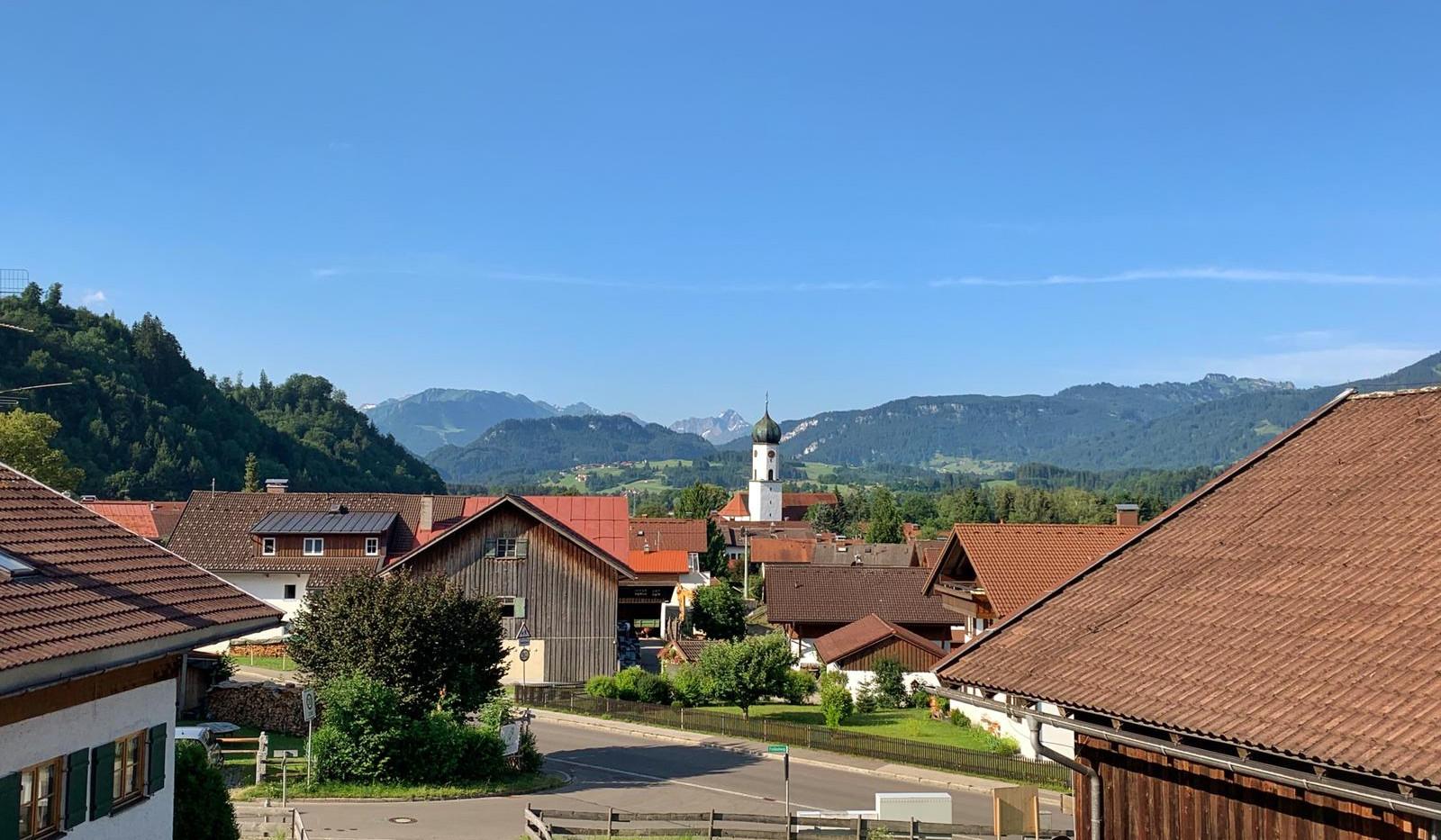 Bergblick über die Altstädter Kirche.jpg