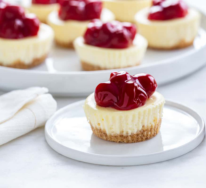 Easy No-Bake Mini Cheesecakes with Black Cherry Balsamic Compote