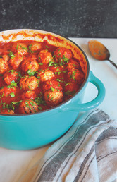 Albondigas en Cazuela (Meatballs in a Spicy Red Balsamic Sauce)