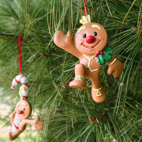 Both Gingerbrood Tree Ornaments