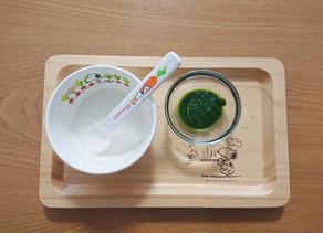 離乳食、今日から+小松菜。と、食後のカオス