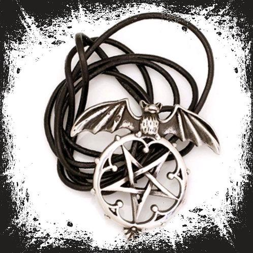"Edelstahlanhänger ""Fledermaus - Pentagram"" mit Lederband"