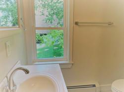 Bathroom 2 pic 2